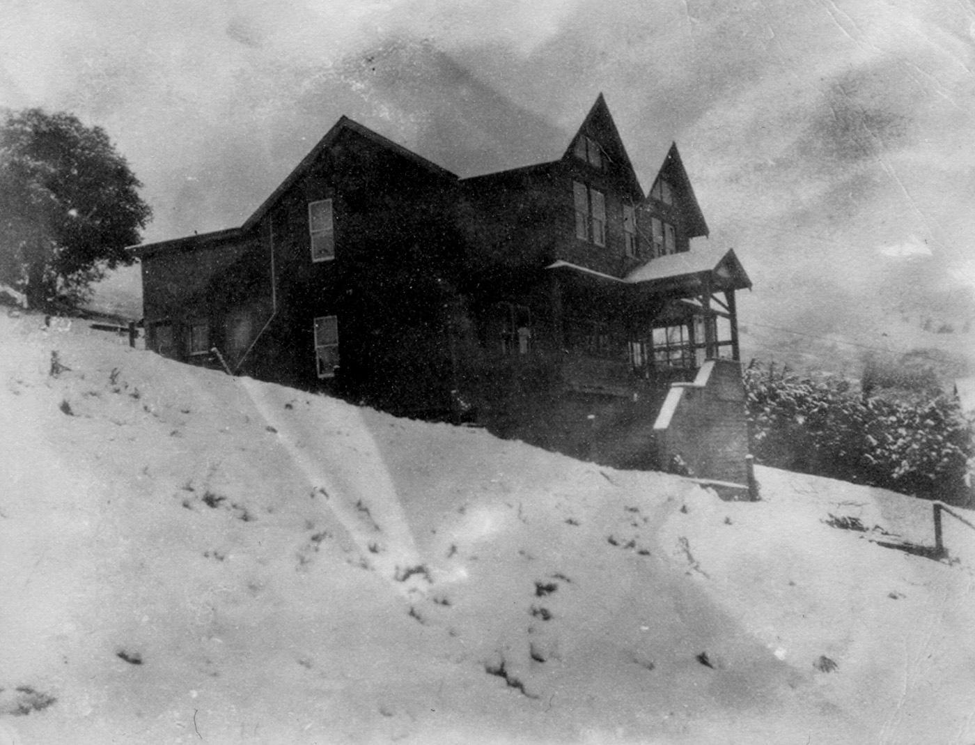 The Ezekiel House, 227 LaVerne, after the January 1922 snowstorm