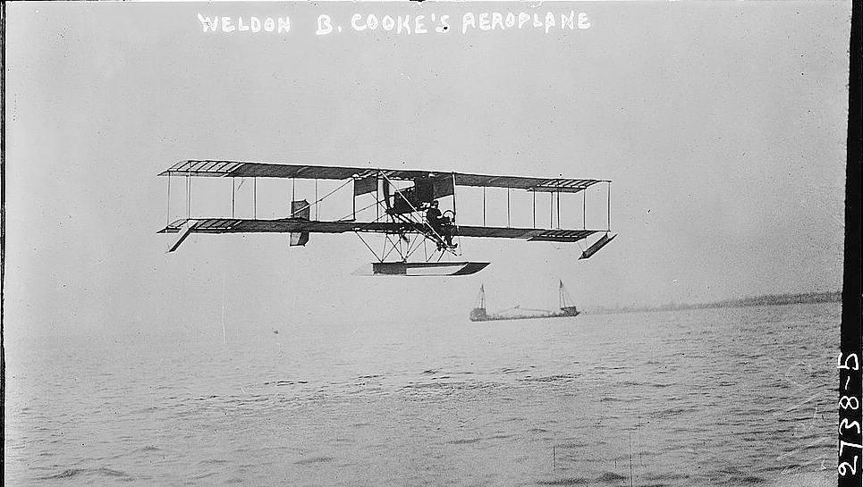 Weldon B. Cooke flying another aeroplane on July 6, 1913 - Source: United States Library of Congress's Prints and Photographs Division